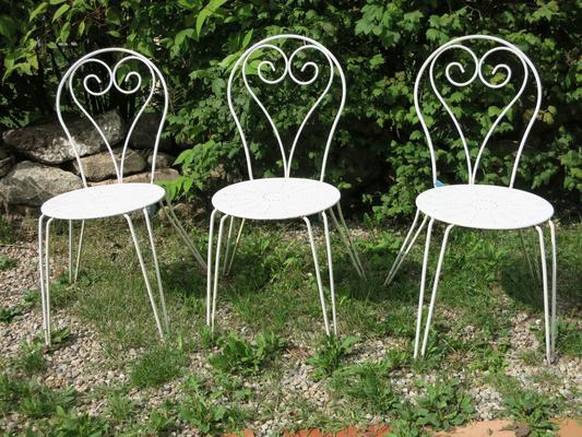 € 135,00 – drei alte gleiche Eisenstühle, guter Zustand