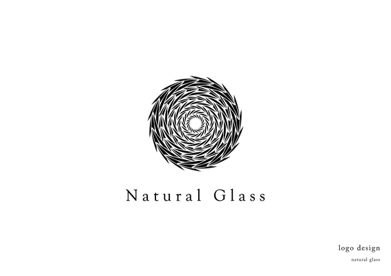natural glassのロゴ