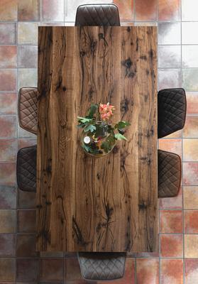 Esstisch in Altholz Eiche aus recycelten Eichenbalken, dunklere & rustikalere Sortierung