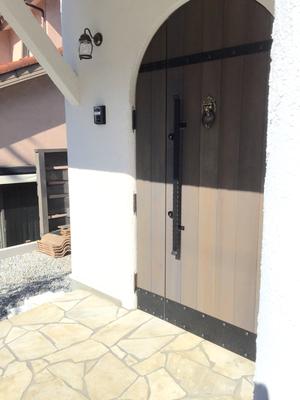 プロバンス住宅 玄関扉