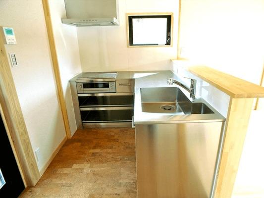 2100×1650  L字型キッチン