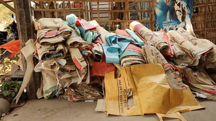 Material / Cambodia © Elephbo