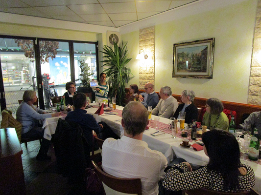 Jincy Zappaterra stellt Gießens Partnerstadt Ferrara im Rahmen eines deutsch-italienischen Gesprächskreis vor.