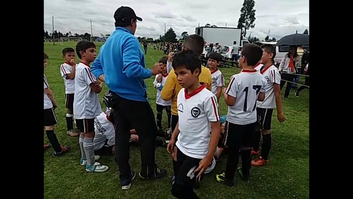 Equipo de Transición celebrando triunfo en torneo de Maracaná