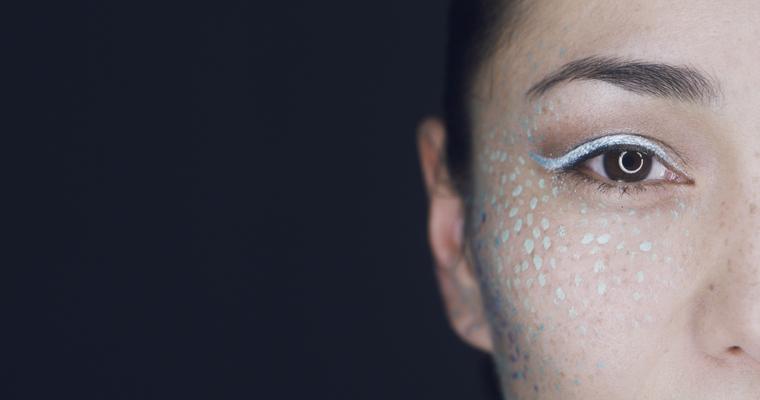 BYE BUY Werbekampagne - Maskenbildnerin Grete Pfleger - © Tristan Siefert