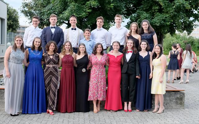 Insgesamt 55 junge Frauen und Männer haben an der Kantonsschule Beromünster die Matura erlangt. Bild: Sibylle Vaes