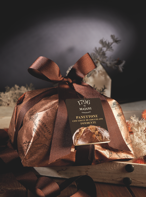 Limited Edition Majani Panettone with Dark Chocolate Drops hand wrap (1kg)