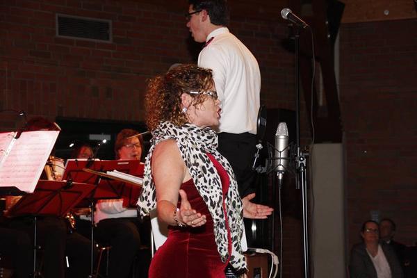 Monique Wengler als Sängerin