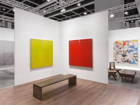 Lévy Gorvy booth with Pat Steir and Willem de Kooning