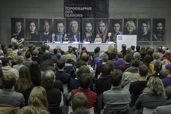 Bildrechte: Jürgen Kramer: Berlin 25.02.2016 - Eine Veranstaltung des Vereins Gesicht Zeigen! – Für ein weltoffenes Deutschland und des Europa Verlags, mit Unterstützung der Stiftung Topographie des Terrors