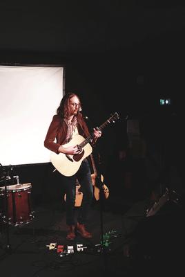 grand causse folk rock guitare herve bezamat