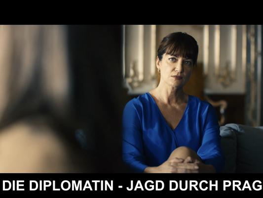 "Natalia Wörner in ""Die Diplomatin - Jagd durch Prag"" (© Max Knauer)"