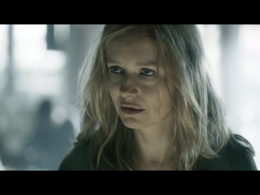 "Stefanie Stappenbeck in ""Der 7. Tag"" (© Max Knauer)"