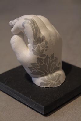 3D Babyhand passend zum Babybauch