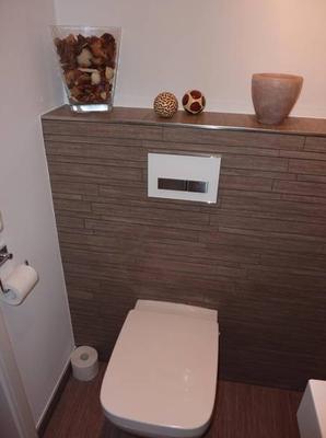 Toilette Modern toilette modern in streifenmosaik gefliest fliesenverlegung im