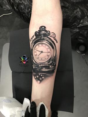 taschenuhr tattoo zeit