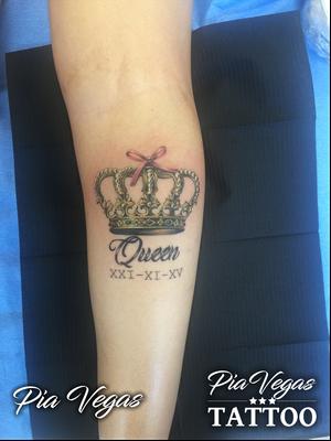 krone tattoo gold
