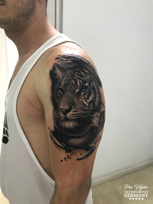 Tiger Tattoo black and grey schwarz weiss
