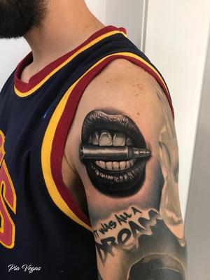 lippen tattoo patrone gangster girl
