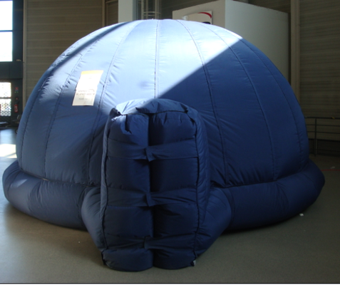 Structure gonflable du planétarium