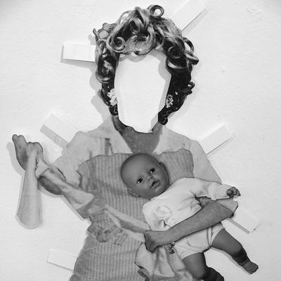 paper_doll_2007__Installation__Kuenstlerforum_Bonn__copyright Baxmann