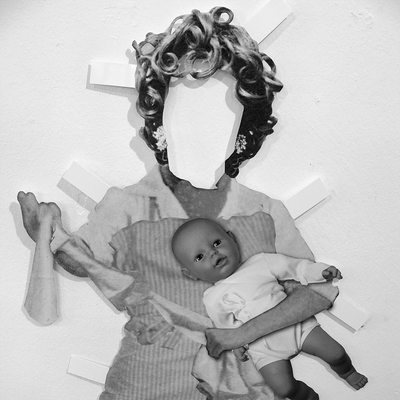 paper_doll_2007__Installation__Kuenstlerforum_Bonn__copyright Baxmann