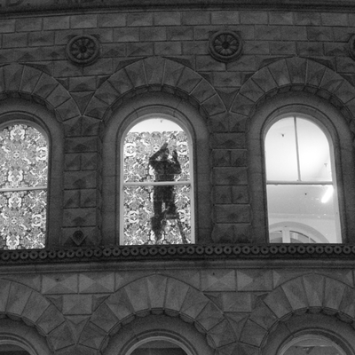 poor_pattern__2010__Installation_Aktion__Corn_Exchange_Building_Leeds_England__copyright Wassermann