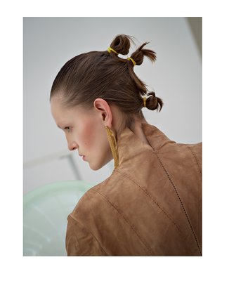 """""""sphäre"""" - photographer: violetta koenig - styling: kinga liechtenstein - makeup & hair: anie lamm-siu - model: annie walter"""