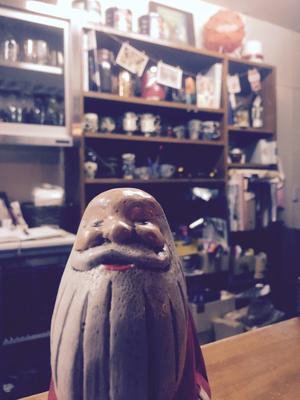ヒドリ食堂にやってきたサンタ。帽子ぬいじゃだめじゃない?