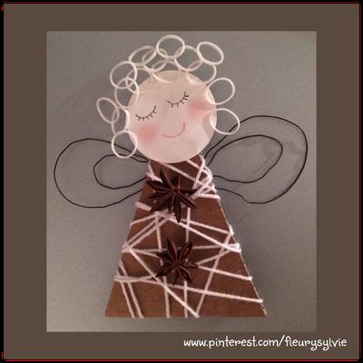 Ange avec un triangle de carton entouré de laine + rainbow looms pour les cheveux. www.toutpetitrien.ch/bricos/ - fleurysylvie