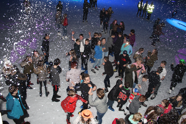 Snow Party on Ice