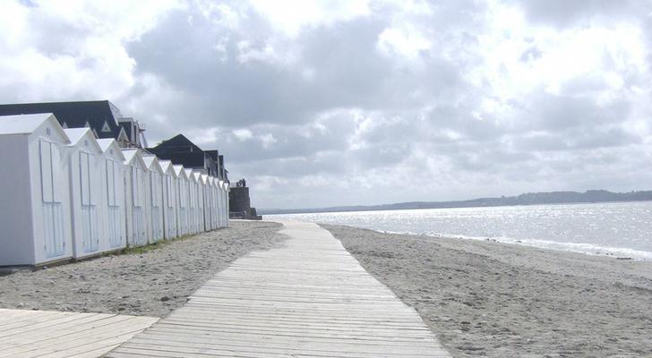 les planches et cabines sur la plage du Crotoy