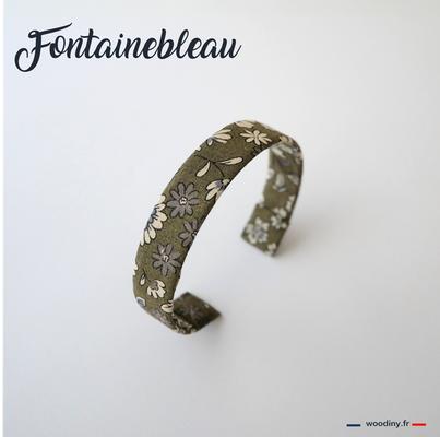 Bracelet kaki fleuri
