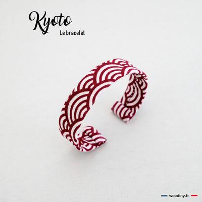 Bracelet rouge motif japonais