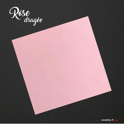Pochette de costume rose dragée