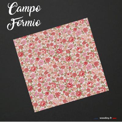 Pochette de costume rose fleuri