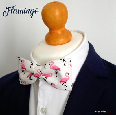 """Noeud papillon"" flamants roses"