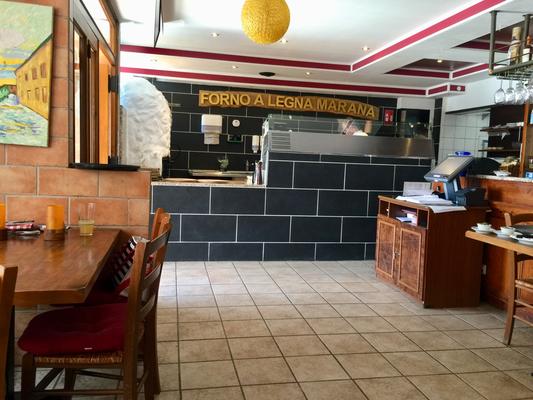 Blick auf die Pizza Station