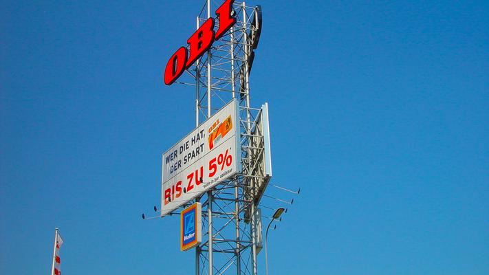 Prismenwender OBI in Vösendorf: 72 m² (größte Prisma Österreichs)