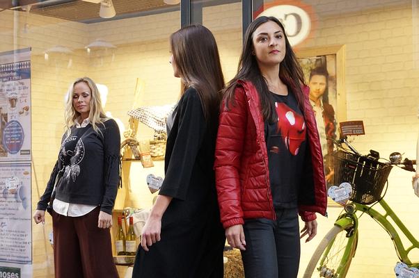 24 Jahre Temple of Cult - Modenschau vor dem Moses Kaufhaus zur Shoppingnacht 2016