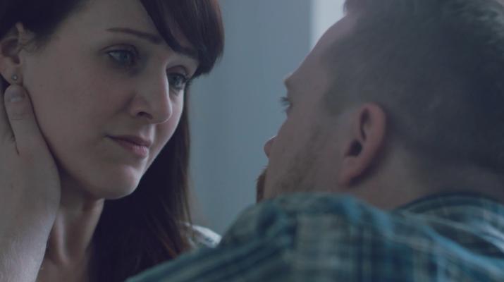 """""""Faded"""", ein Film von Romina Schade. Mit Claudia Dalchow und Dennis Madaus"""
