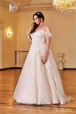 Brautkleid große Größen mit Carmen-Ausschnitt vorne