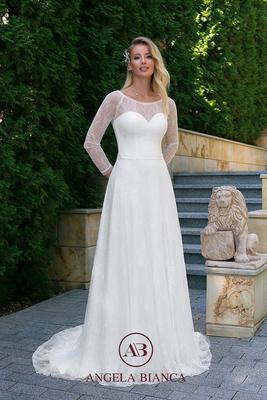 Brautkleid ganz aus Spitze mit langem Arm vorne