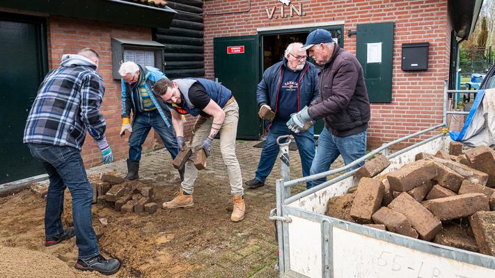 v.l.n.r.: Leon Collaris, Simon Groenendijk, Ruben Geurts, Sjaak Beerendonk, Warry Schipper