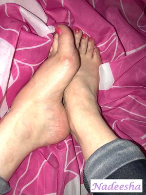 Damit Du trotzdem noch einen guten Anblick meiner Füße in Erinnerung behältst...