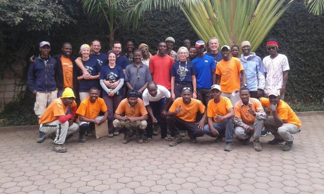 Gipfelerfolg am Kilimanjaro, AMICAL alpin Gipfelerfolg Kilimanjaro, Kilimanjaro, Kilimanjaro besteigen, Besteigung Kilimanjaro