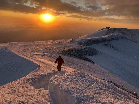Hike & Fly Elbrus, Gleitschirmflug vom Elbrus Gipfel, Elbrus Gipfel, mit Gleitschirm vom Elbrus Gipfel