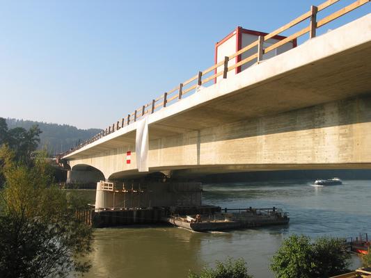 Straßenbrücke / Spannbeton, BAB A 861, Rheinfelden Rheinbrücke