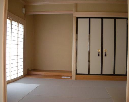 琉球畳で仏間も上品な仕上げ