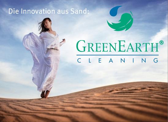 Müden Reinigung GmbH® Leistungen A-Z, GreenEarth Seitz, Frau im Sand, Wüste